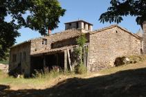 maison-marcel-eglise-veyrines-arriere-plan