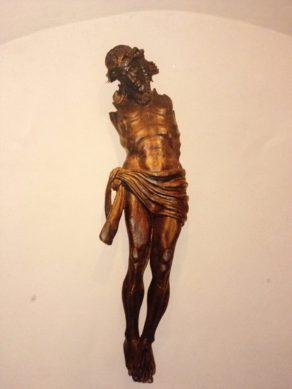 statue-entiere-christ-en-bois