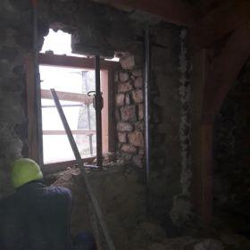 evidage-mur-fenetre-calage-pierres